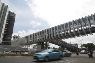 Senayan footbridge