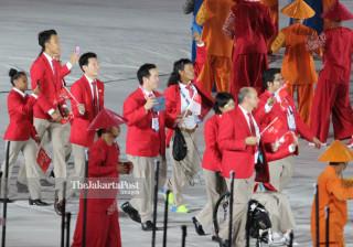 -Defile Atlet Singapura dalam Upacara Pembukaan Asian Para Games 2018