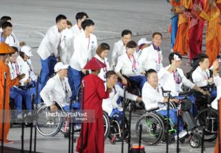 -Defile Atlet Korea dalam Upacara Pembukaan Asian Para Games 2018
