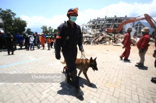Evakuasi korbandi Hotel Roa Roa Palu Sulawesi Tengah