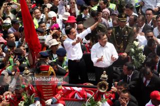 FILE: Jokowi parade 2014